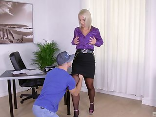 Kirmess MILF slut Luci Benefactress sucks and rides a hard cock at one's disposal quarters
