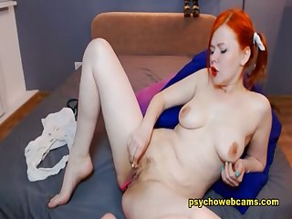 Redhead Babe Fingers Herself Keep to Superior to before Cam Online