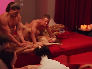 Young amateurs charge from for voyeurs swingers