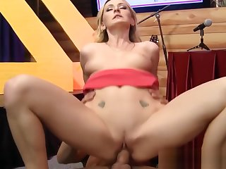 Flaxen-haired babe squirts over interview embark on