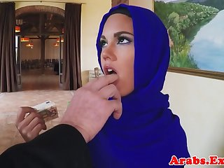 Muslim beauty fucks be advisable for cash