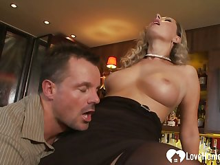 Gaping ass pleasures for a hungering milf tot