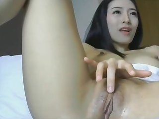 Asian with dildo and wet pussy is live at 1hottie