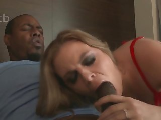 Sexy MILF in white-hot lingerie Kendra Lynn takes BBC in interracial