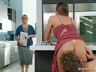 Big ass tie the knot fucked hard in the kitchen and made back go for