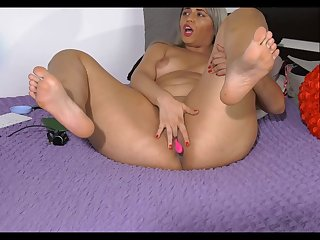 Horny chubby mommy shows her beamy ass on webcam
