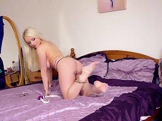 Hannah Clayton Selfbondage