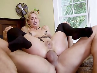 BDSM threesome nearby hotties Cherie DeVille and Gina Valentina