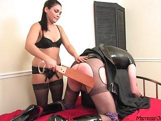 Milf ass fucks male slave at the enjoying sex
