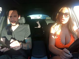 Driving school can't resist fucking bodacious bombshell Olivia Austin