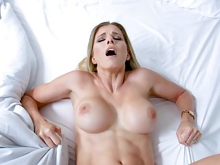 Ma gets fucked connected with the pussy missionary style