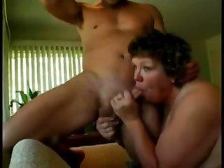 Heavy Sloppy Mature Bitch Likes to fuck