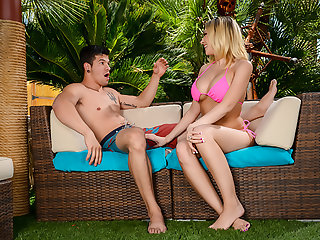 Kagney Linn Karter gets creampied by a immigrant