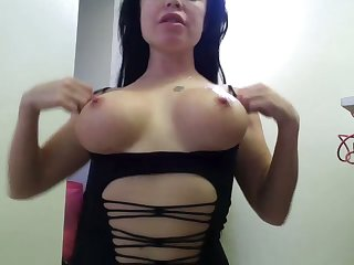 Love an obstacle way that naughty webcam engrave show off her killer curves