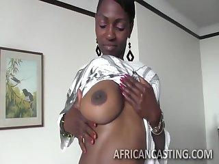 Busty Afric Queen