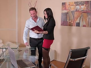 Provocative MILF Summer drops their way women's knickers to be fucked hard